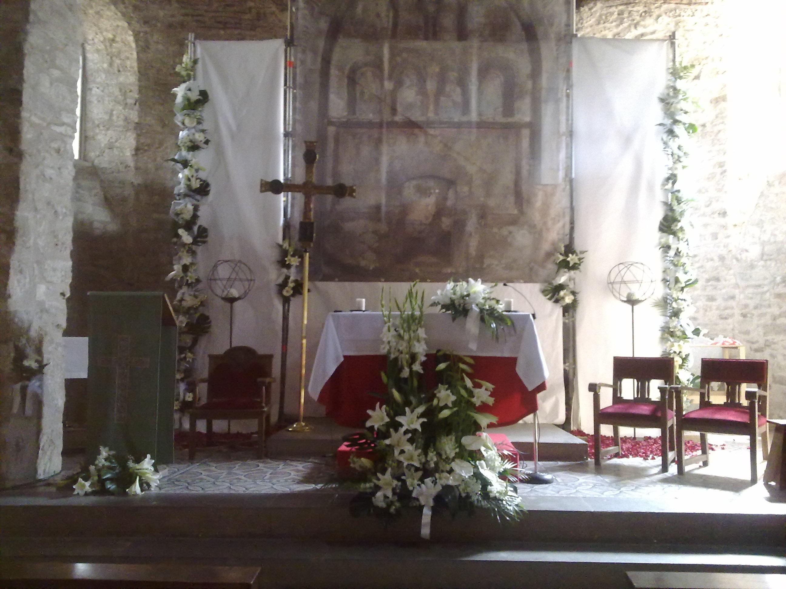 El Altar De La Iglesia